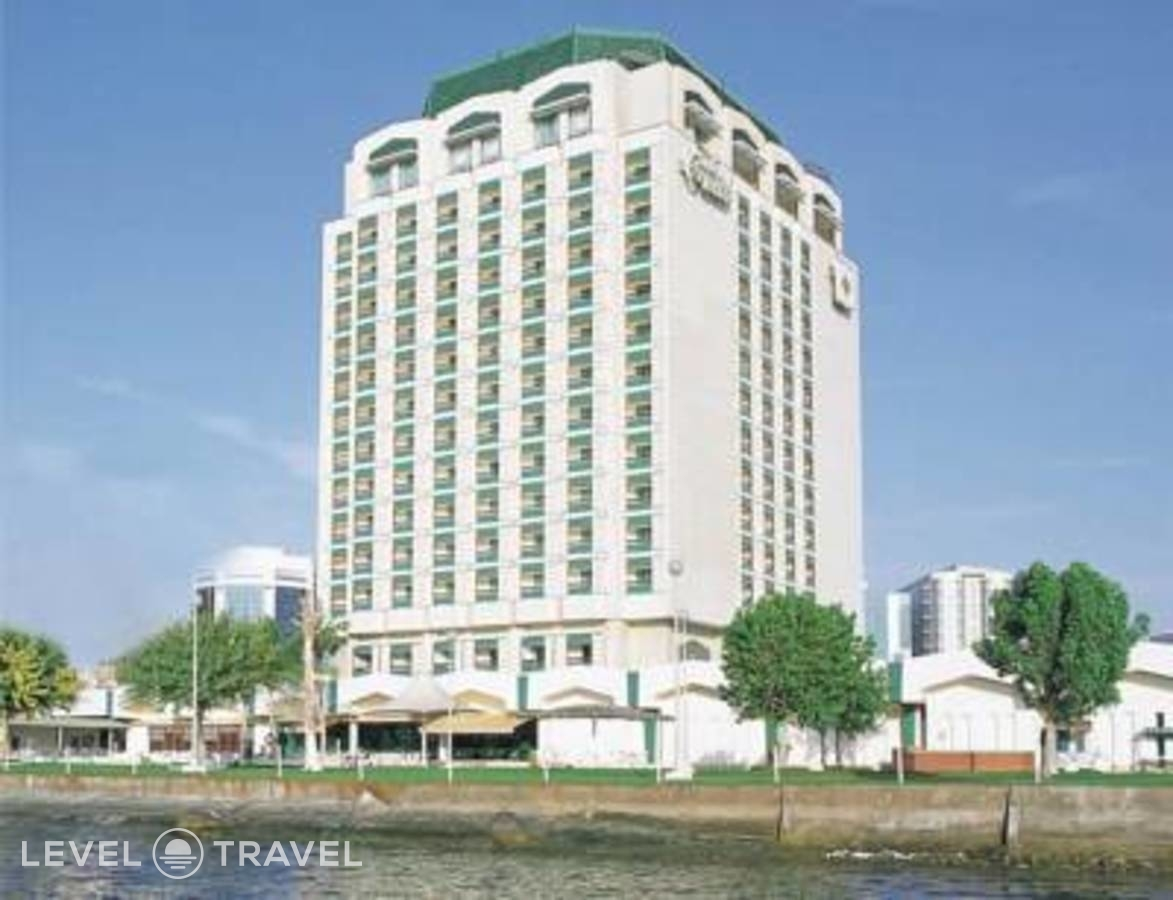 Тур в Holiday International Sharjah Hotel, Шарджа