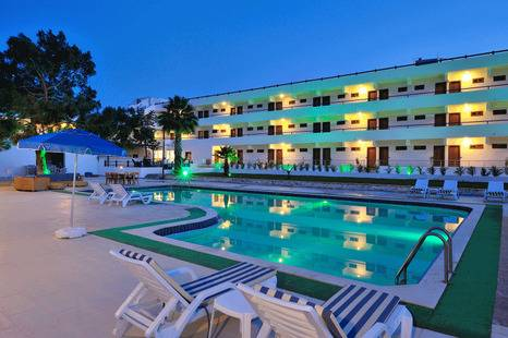 The Best Life Hotel (Adults Only 14+)