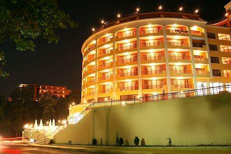Central Golden Sands Hotel