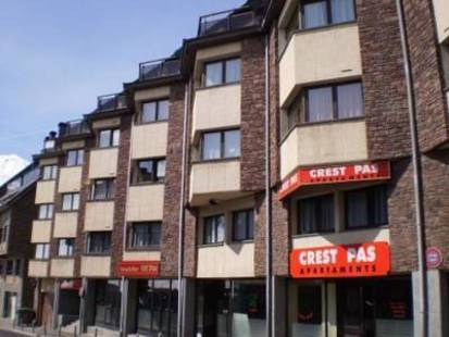 Crest Pas Apartments
