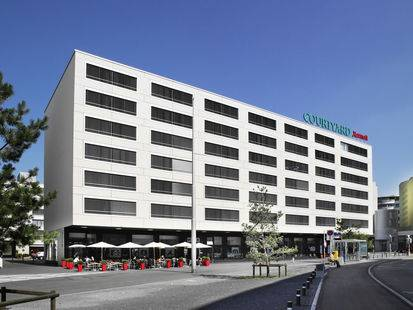 Courtyard By Marriott Hotel